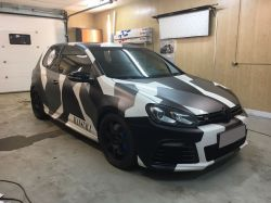 Оклейка Volkswagen Golf R в стиле