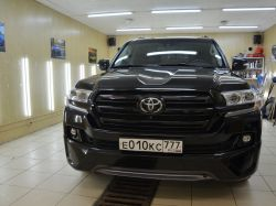 Антихром на Toyota Land Cruiser 200